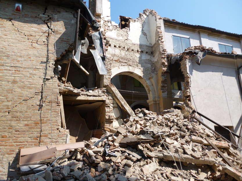 Terremoto - foto di: Mimmo Ferrari