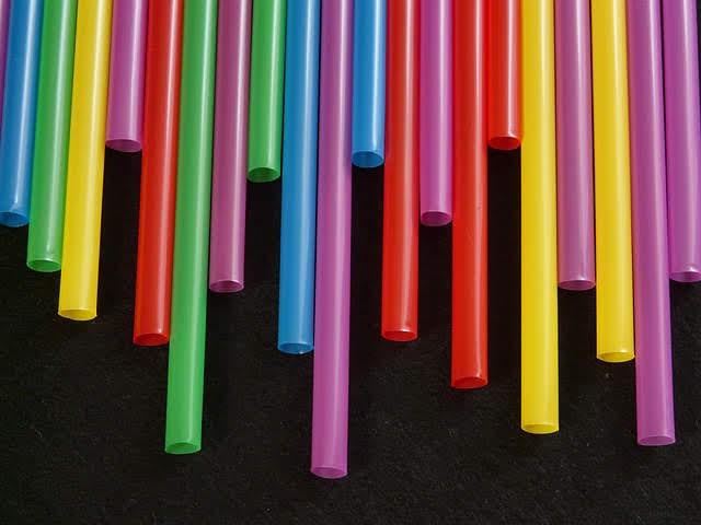 Plastica - Photo credit: Hans Braxmeier da Pixabay