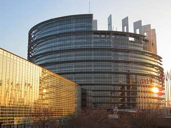 Parlamento europeo - Image by stcrolard from Pixabay