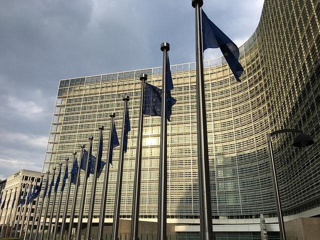 Accordo Commissione UE e piattaforme viaggi per condivisione dati