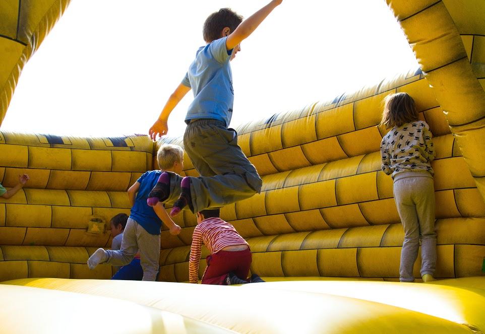 EduCare: 35 milioni per far tornare i bambini a giocare