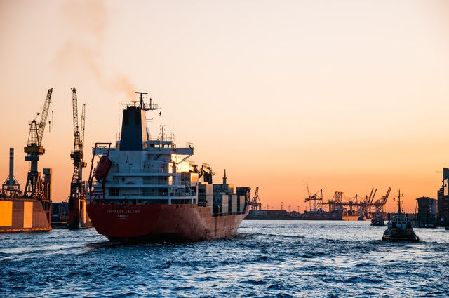 Trasporto marittimo - Foto di Martin Damboldt da Pexels