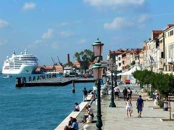 Dl Grandi navi Venezia - Photo credit: Foto di Edmund Hochmuth da Pixabay